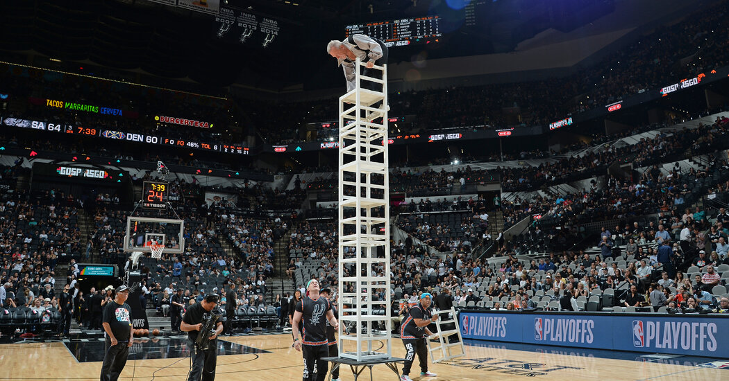 A Timeout for the N.B.A.'s Halftime Performers Is Costing ...